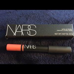 "NARS ""lodhi"" coral Satin lip pencil"